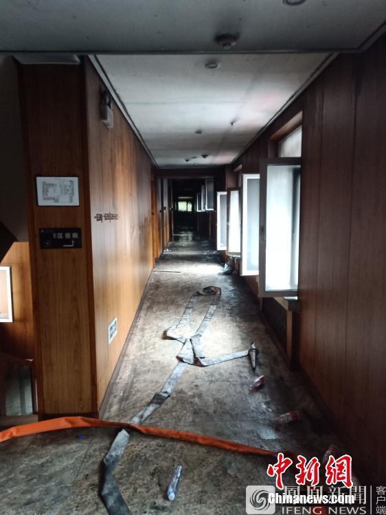 哈尔滨市松北区太阳岛一温泉酒店火灾现场 已致16人死亡