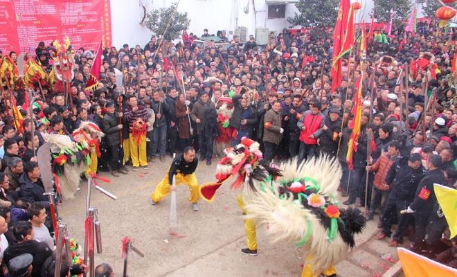 河南长葛:传承近200年的舞狮会