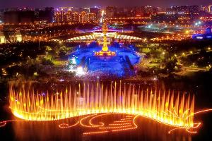 唐山:南湖燈光水舞秀啟幕