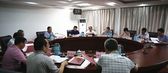 奉节县委书记杨树海强调要切实推进脱贫攻坚工作