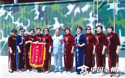 亳州中老年模特队赴京上演旗袍秀 勇夺金奖三等奖