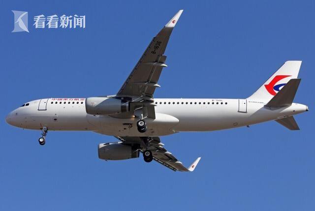 虹桥机场一架飞机起飞时另一飞机突然横穿跑道