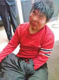 长春两名快递员 被东荣家园物业保安队长打伤