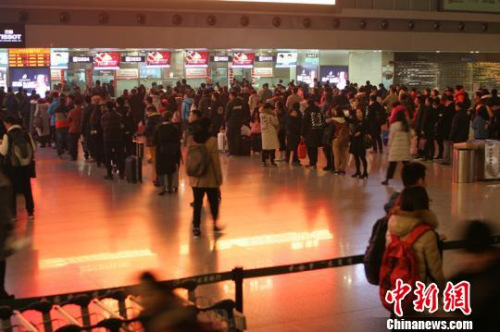大年三十,成都机场客流量跌至春运最低。 吕俊明摄