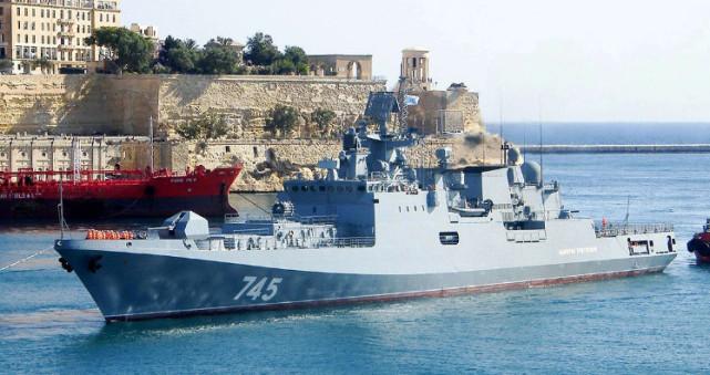 美媒:俄护卫舰正在驶向攻击叙利亚的美国战舰