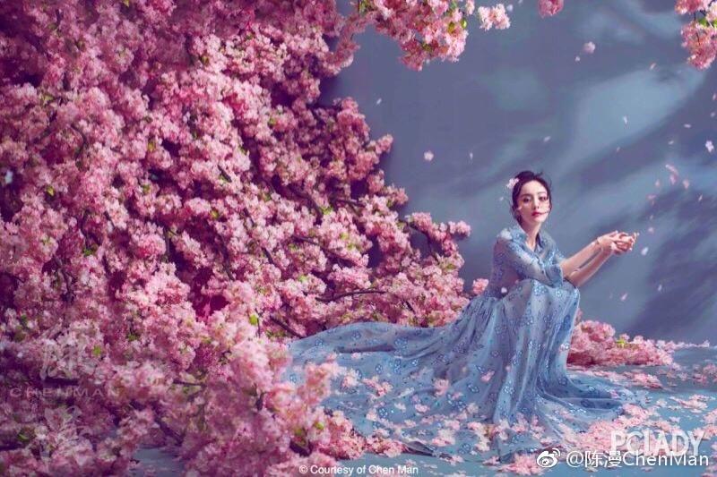 春风十里,浪不过穿着纱裙的你
