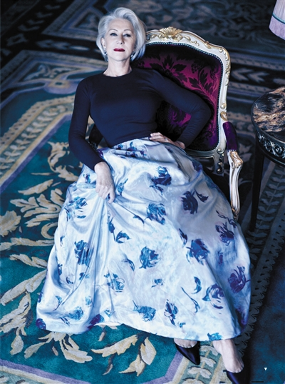 她是获奖无数的英国国宝级女演员 却说上舞台仍怯场