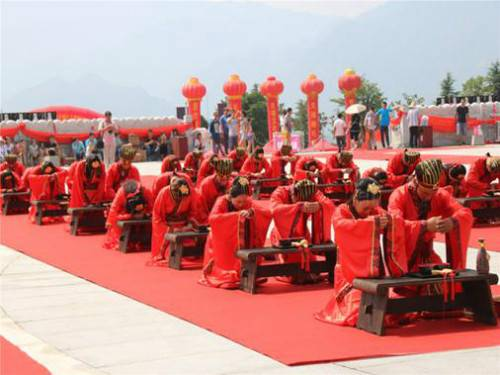 亲爱的约一场质朴隆重的汉式婚礼吧