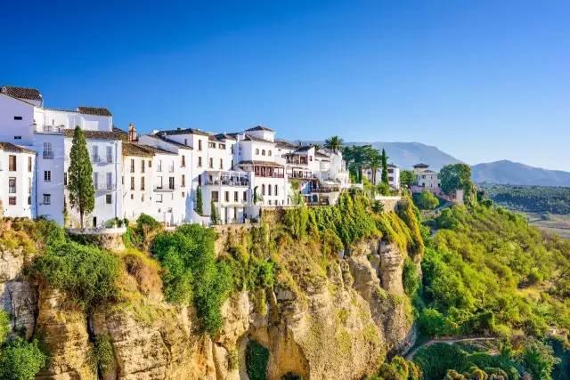 欧洲大山风景油画