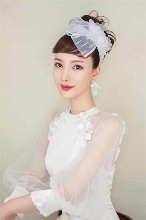 刘亦彤唯美白纱造型曝光仙女范十足