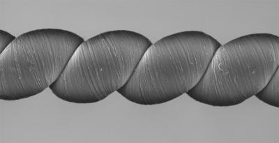 这根高科技纱线:只需拉伸或扭转就能发电