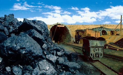 煤价维稳出新招 煤炭库存制度或于9月底前全面推行