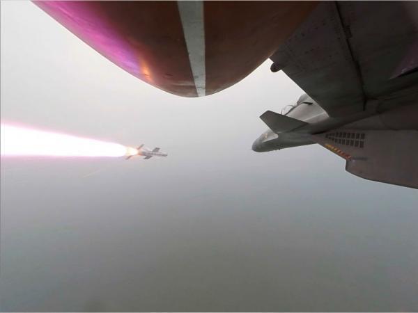 DRDO官员则表示:阿斯特拉导弹的技术比烈火中程导弹还要复杂
