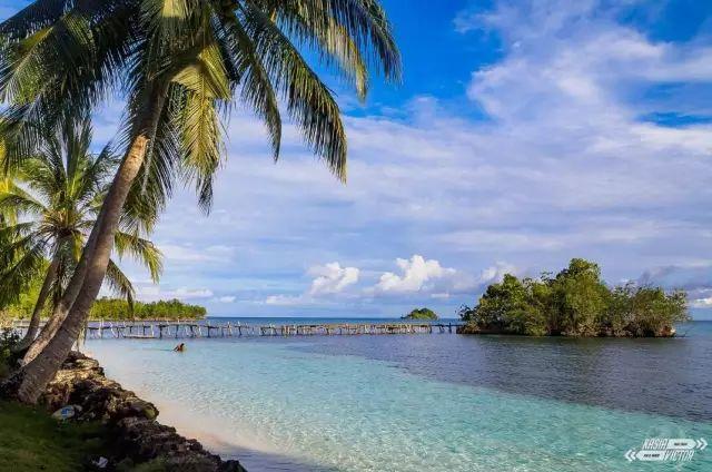 这个由17000多个岛屿拼成的国家 把世界上好玩的海岛都承包了