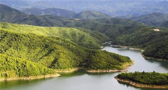 """江山碗窑乡的""""月亮湖"""",也是一个很赞的赏月选择地,不仅能寻访古窑"""