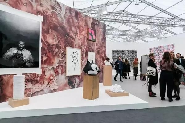 香格纳画廊在2017年度弗里兹伦敦的展位,图片:Courtesy the gallery(图转载于artnet)