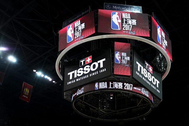天梭表倾力支持NBA中国赛上海站比赛,图片来源于天梭。