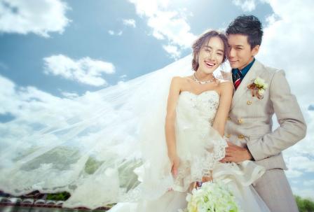 拍结婚照多少钱——青岛婚纱摄影前十名写真哪家好