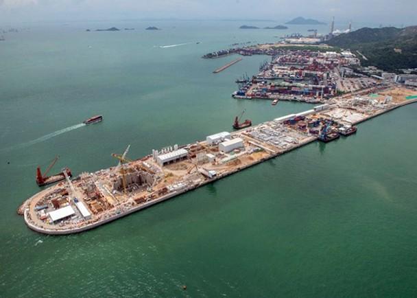 港珠澳大桥香港段海底隧道爆裂喷水 已抢修