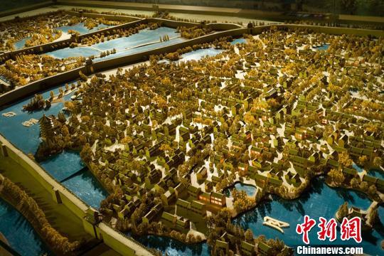 中国漕运博物馆内的淮安三城建筑模型。 泱波摄
