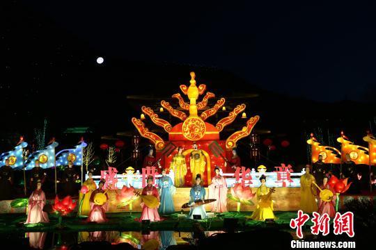 图为华清宫灯火璀璨。 张远摄