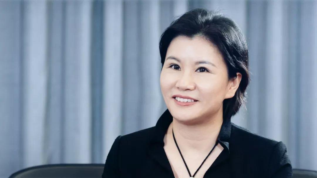 中国女首富周群飞: 不在乎别人说小三 卑微是伟大的起点