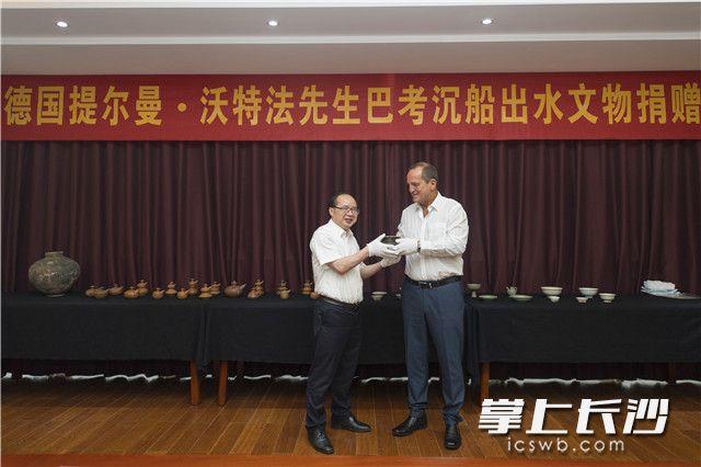 38件巴考沉船出水文物成功入藏湖南省博物馆。照片均为长沙晚报记者黄启晴摄