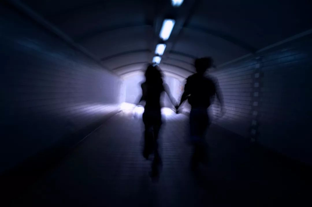 逃跑之路:那些被美发厅囚禁强迫卖淫的女孩们