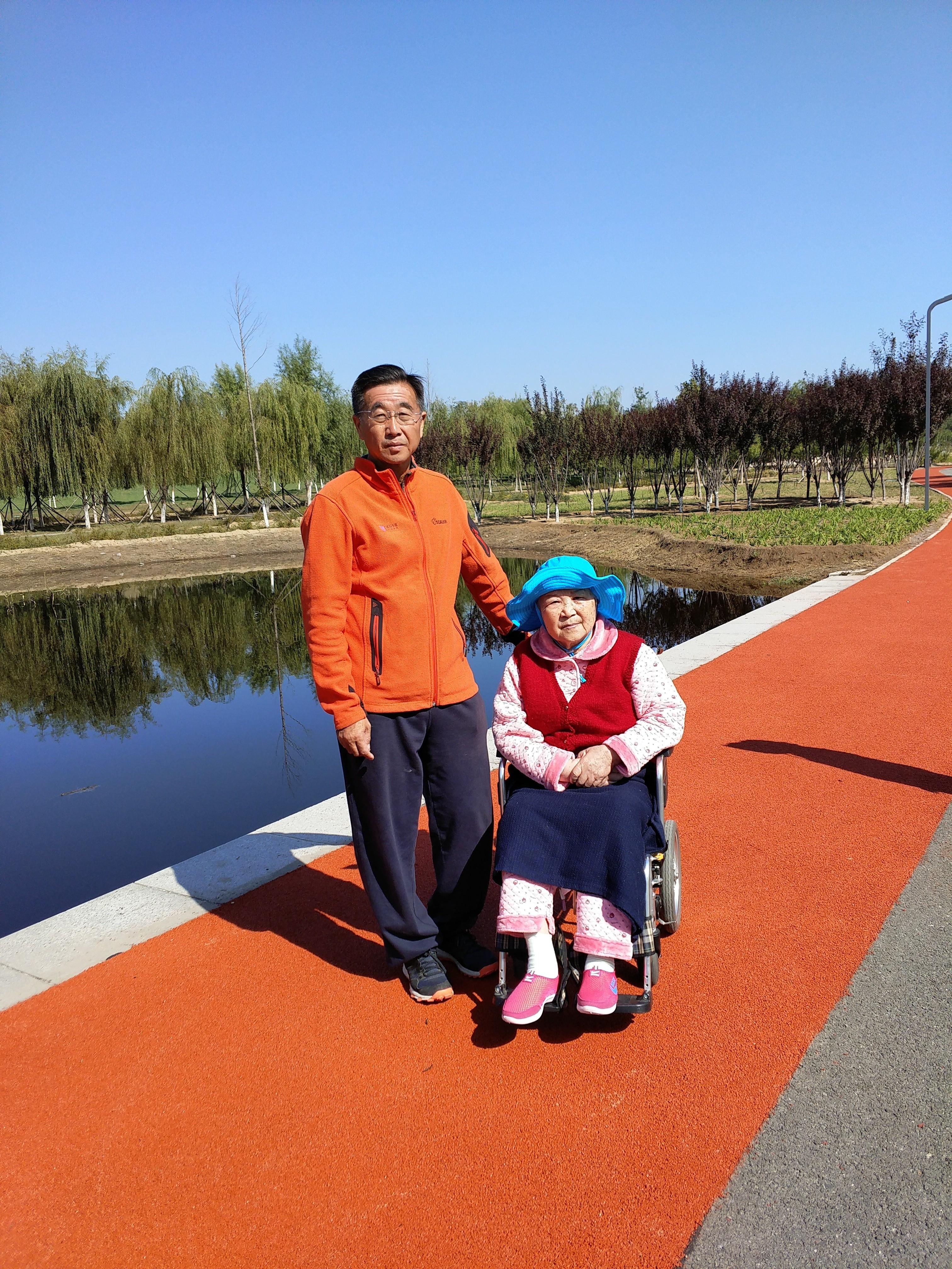 国旗哥李小白——一个理想主义跑者的家国天下