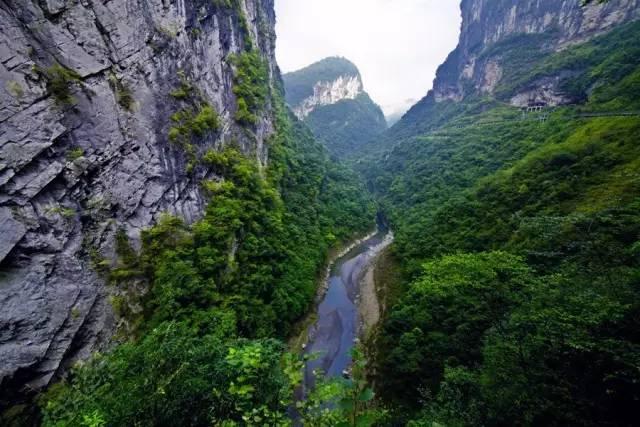 石门河位于建始高坪,北通豫陕,西襟巴蜀,东临江汉,南极潇湘,肩担重庆