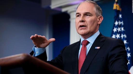 """美国环保局长连爆负面消息 白宫直呼""""令人头痛"""""""