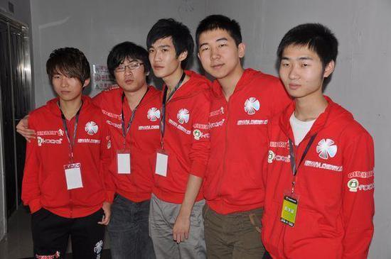从左到右:insense、banana、pis、dgc、zhou