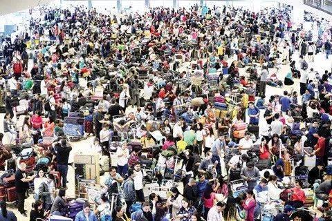关闭近36小时 菲律宾马尼拉机场跑道重开