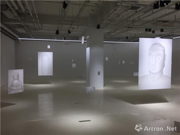 """""""劳家辉:自助庙宇""""展览现场"""