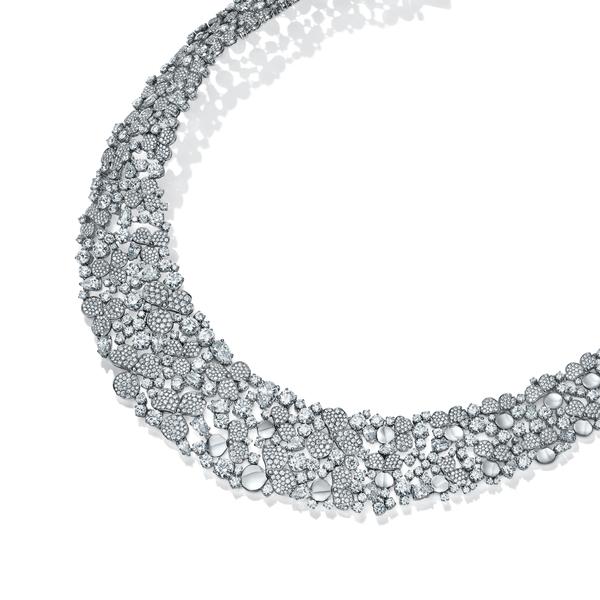 坚韧笃定,自在表达蒂芙尼全新Paper Flowers™花韵系列珠宝时髦上市