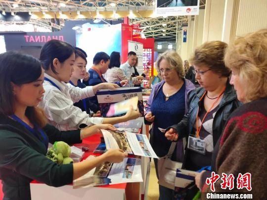第24届俄罗斯国际休闲旅游展上,海口旅游宣传产品受到俄罗斯民众的青睐谢妮均摄