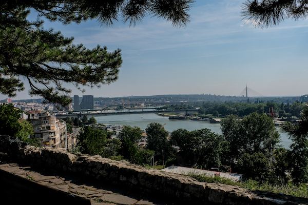 塞尔维亚 饱经战火的土地与现实和解了