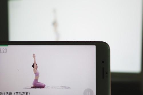 明基BenQ智能商务投影机:自律才是最大的自由-视听圈