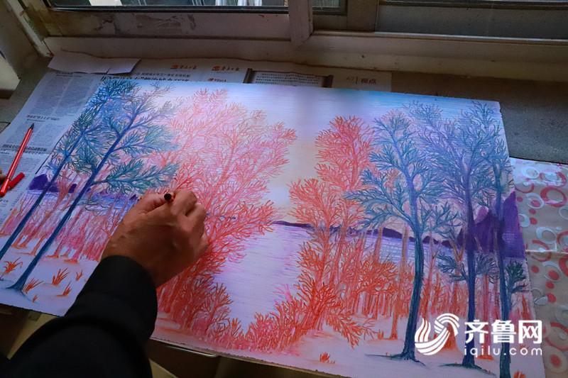 济南小学保安 逆袭 成画师 学生纷纷拜师学艺