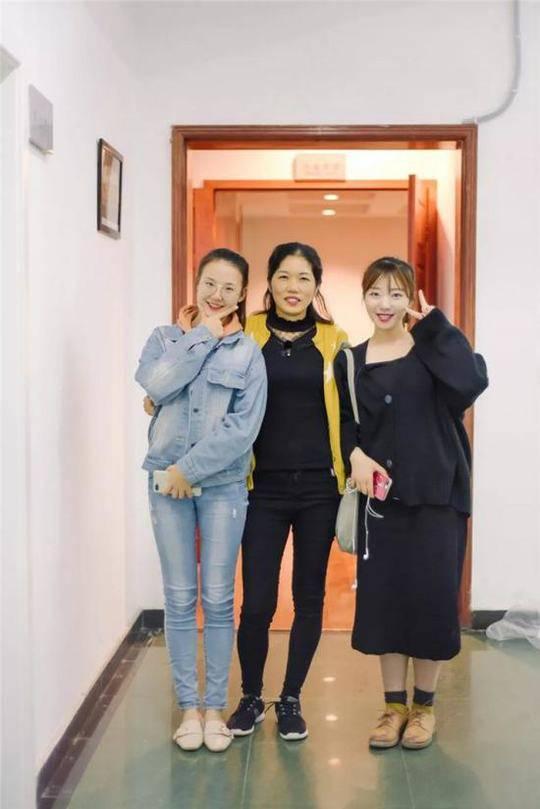 陆阿姨与学生
