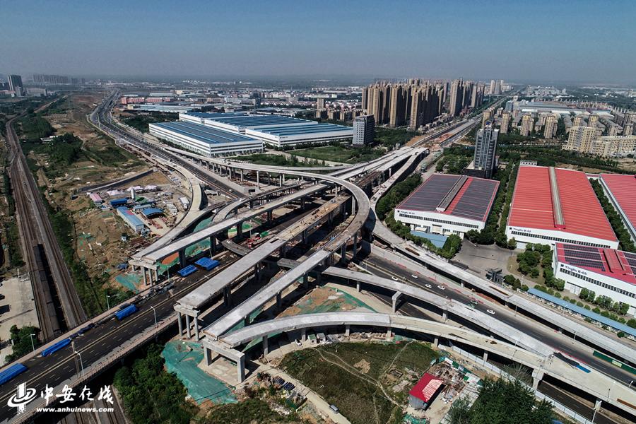空中俯瞰合肥繁华大道集贤路互通立交工程