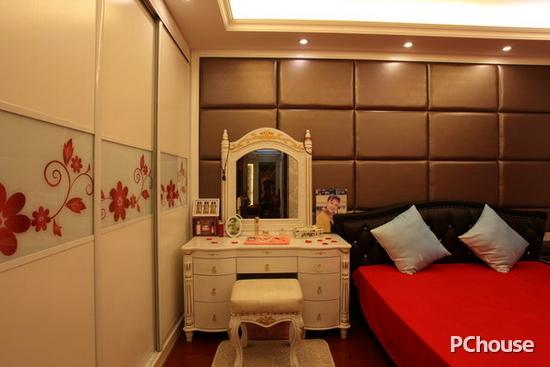 欧式卧室床头背景墙效果图