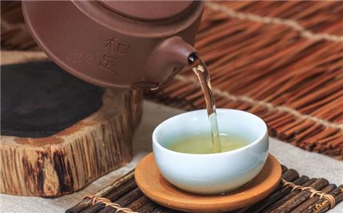 上班族防辐射喝什么上班族如何防辐射鱼腥草茶的功效有哪些