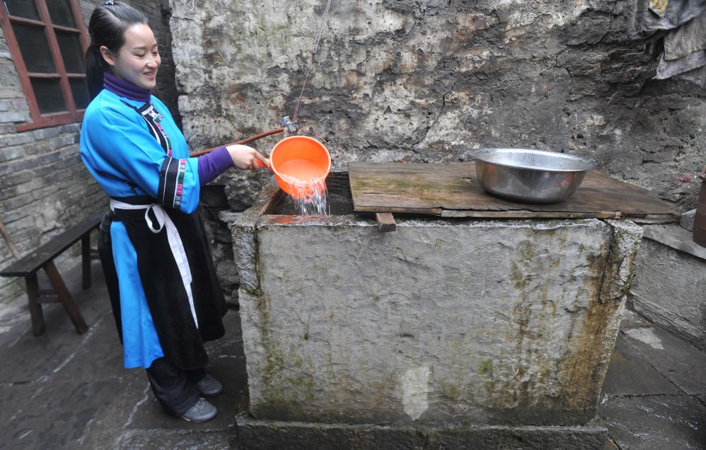 穿汉服讲明代官话 中国西南神秘之地依然保存