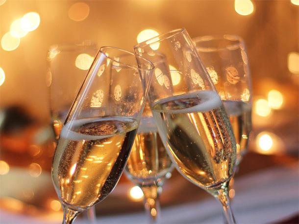狂欢过后,喝剩的香槟怎么办?