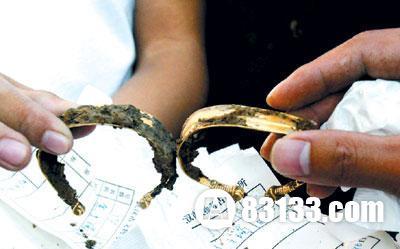 千年古墓走出活体女尸的陪葬品