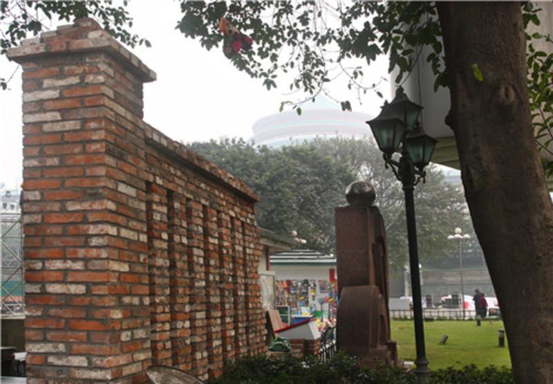 人民大礼堂20年前拆除围墙 老百姓共捐款800多万元