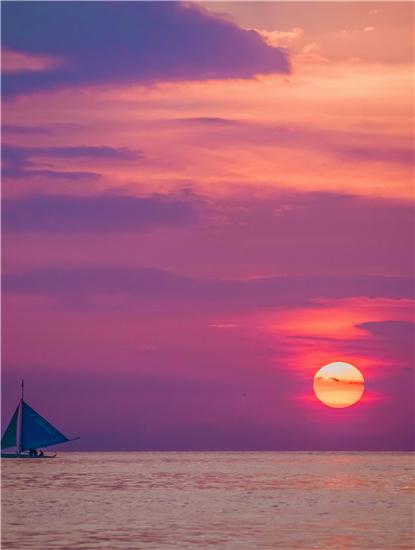 """5元帆船看日落,百元海鲜吃到饱,""""亚洲最美沙滩""""等你pick~"""