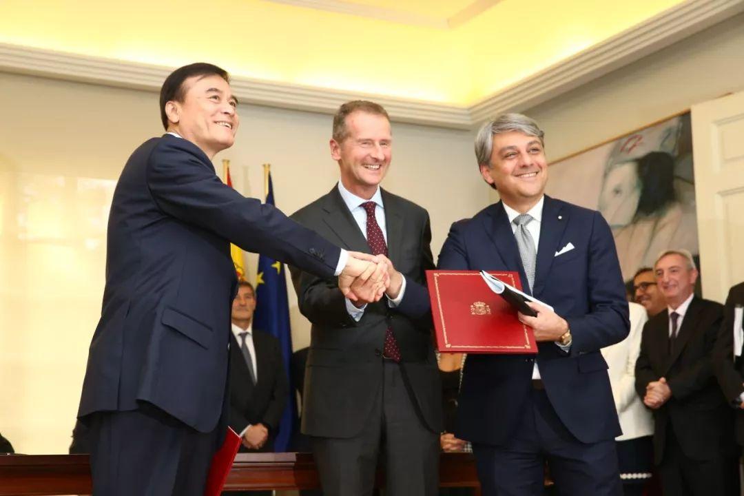 江淮汽车大众汽车集团(中国)和西雅特签署新协议发展电动出行_