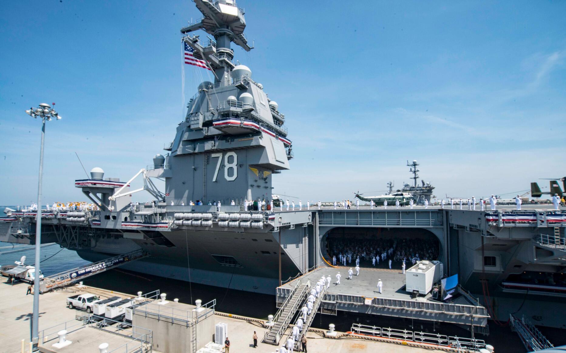 港媒:中国首艘航母辽宁舰或改成电磁弹射起飞